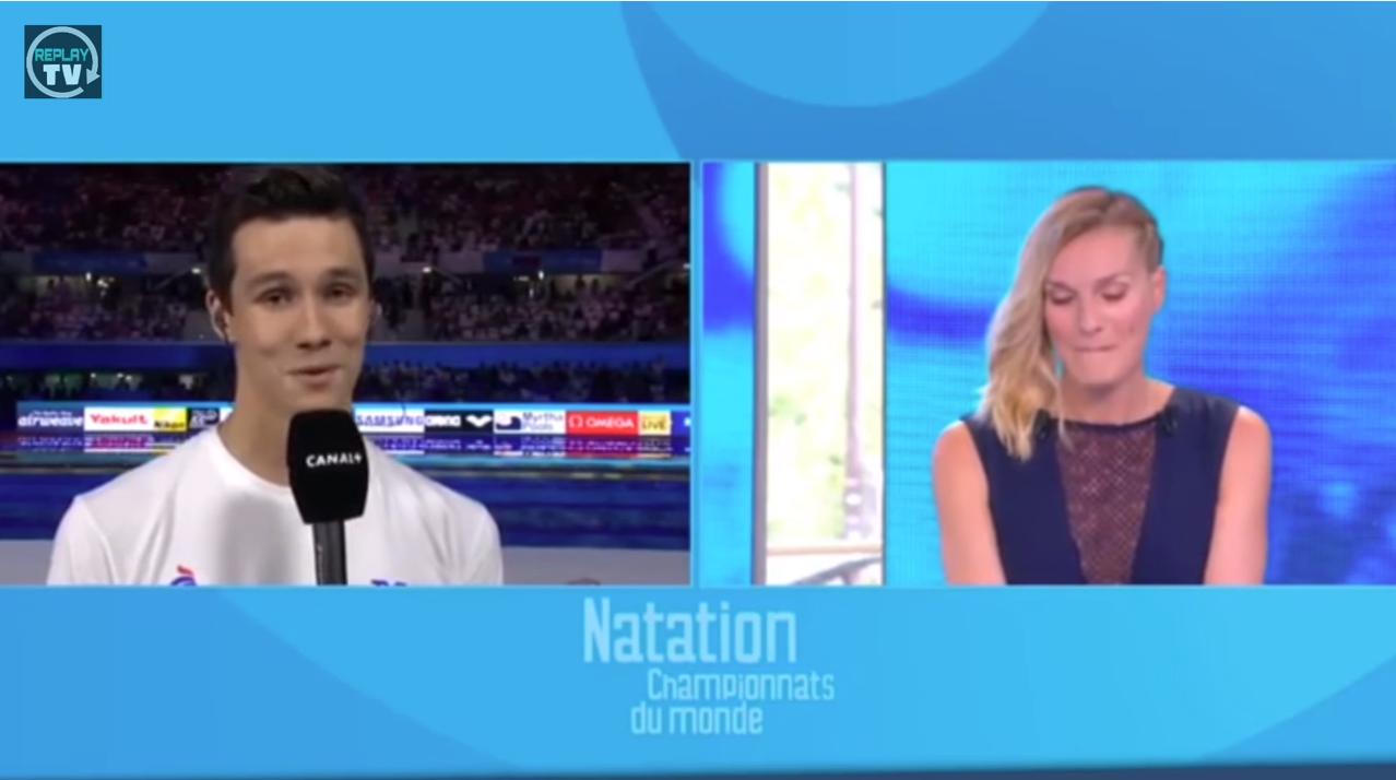 REPORTAGE CANAL + : de l'équipe de France Junior à Senior  BIZUTAGE d'une jeune nageur de 20 ans en direct à la TÉLÉ !