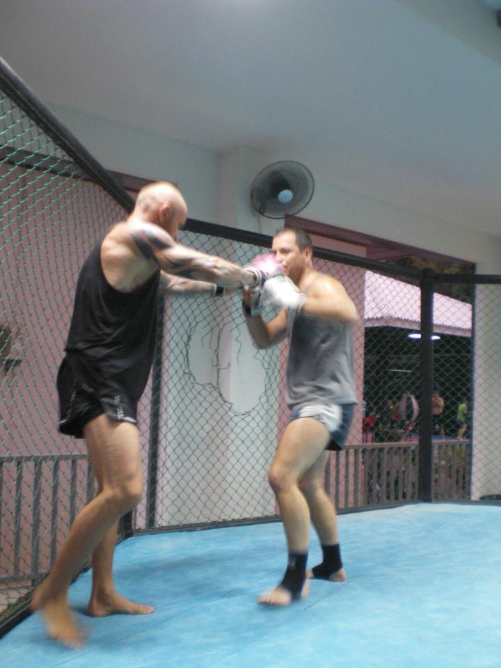 Mon sparring-partner: Préparation combat (KHO SAMUI)